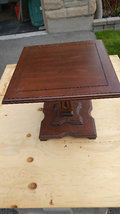 """Vintage accent table.  18"""" square"""