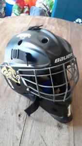 Bauer NME5 goalie helmit