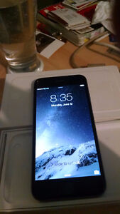 i-phone 6 like new only used 3 months has ear plugs,charger