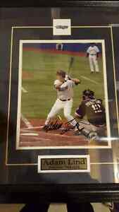 Toronto blue jays Adam Lind autographed photo framed