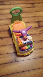 Fisher Price LIttle People Music Parade Push Along/Ride On