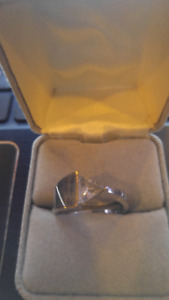 Beautiful Ladies Ring, Size 9