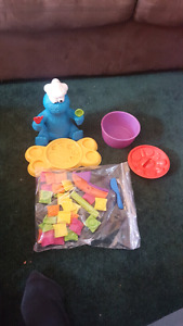 Several Play Doh sets/accessories