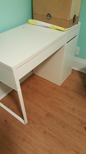 Micke Ikea Desk - used maybe 3 times