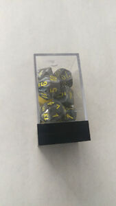 Black Silver Pearl Swirl w/Yellow #s Polyhedral RPG Dice 7Set