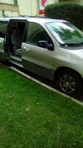 2005 Ford Freestar SEL Minivan, Van
