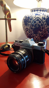 Vintage Pentax K1000 35mm Camera with lots of extra's