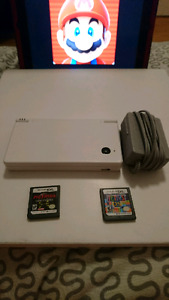 Nintendo DSI (Charger and Games)
