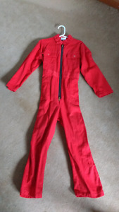 Fits 5T red coveralls Excellent condition $20 takes