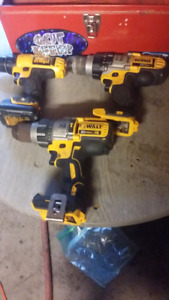 Dewalt drills no charger ones got a battery