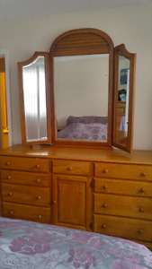 Solid Oak 3 piece bedroom set-great condition