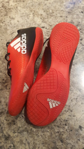 Adidas Indoor soccer cleats - Mens size 7