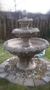 Magnifique fontaine victorienne (ciment)