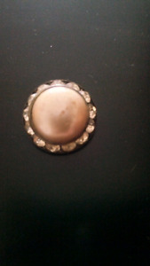 Opal brooch studded with diamonds