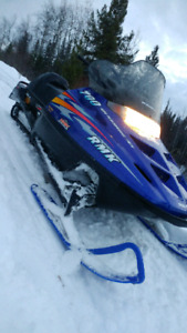 Polaris 700 indy rmk