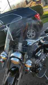 Windshield and all hardware Original Road Star / Vitre et attach Cornwall Ontario image 2