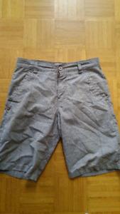 Lot de shorts O'NEILL QUICKSILVER taille 28 et 30