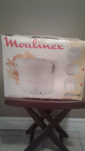 Brand NEW moulinex deep fryer