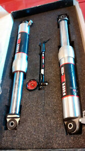 "Shocks Ride FX Air 18"" on centre."
