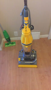 Upright Dyson  vacuum excellent condition $200.00 price is firm