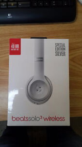 Beats SOLO 3 WIRELESS Headphones (Special Edition Silver) USA
