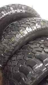 5x BF Goodrich KM Mud Terrain LT255/75R17 tires and Willy's rims West Island Greater Montréal image 3