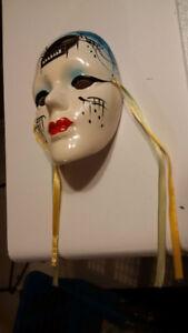 3 petits masques théâtrales