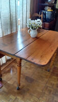 Early 1900 Antique table and 4 chairs