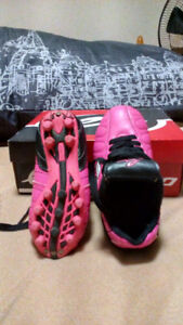 Eletto cleats, size 8-9