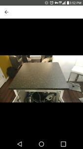 Island standard laminate counter top only 1 year old