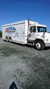 2000 beverage truck