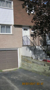 Clean & bright 3 bedroom townhouse for rent