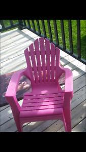 Chaise rose pour enfants