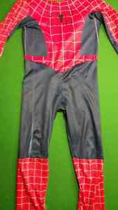 Spiderman Costume in Very Good Condition Size 3T-4T - $5.