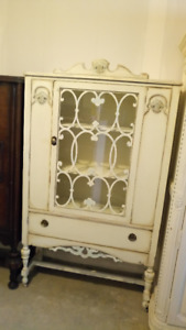 Stunning Cream coloured Cabinet with Glass Window