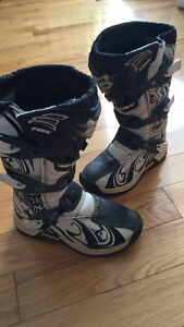 FOX Comp 5 boots.  Youth size 2