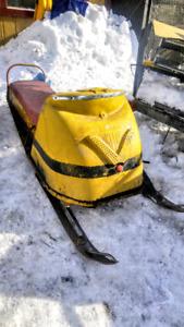Motoneige Bombardier Ski-Doo chalet