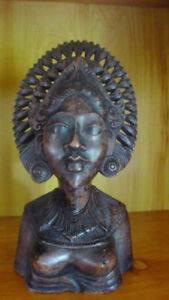 African Queen bust carving- solid wood (Mohagany wood)