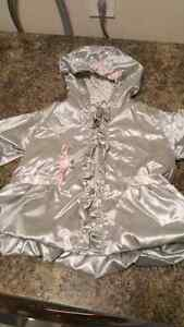 Excellent condition fall/winter /rain jackets  London Ontario image 8
