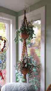 Hanging silk plants with hanger and pots Kingston Kingston Area image 3