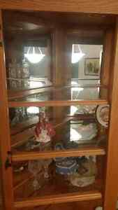 Beautiful solid oak china cabinet in excellent condition Stratford Kitchener Area image 3