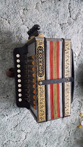 Hohner ha-114 c accordion/melodeon for cajun , irish, newfie