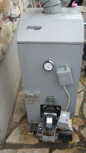 DETTSON  OIL FIRED   HOT WATER BOILER MODEL SMH-3 & BURNER DANFO