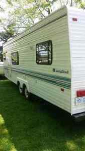 Beautiful trailer Sleeps 6 EXC CONDITION