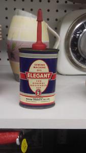 Vieille canne d'huile vintage.