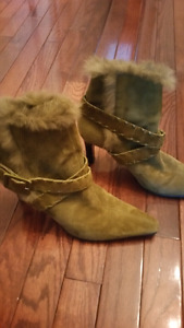 Suede boots with rabbit fur top