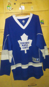 Toronto maple leaf phil kessel jersey