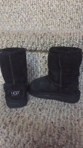 Size 8 toddler UGGS