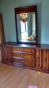 Sklar and Peppler dresser and mirror Stratford Kitchener Area image 2