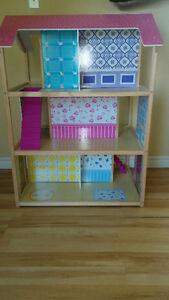 Awesome two sided Doll house! Kingston Kingston Area image 3